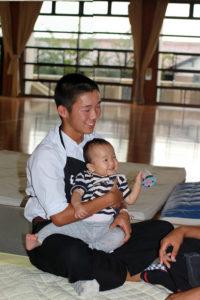 赤ちゃんの学校訪問授業